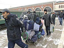 Мигранты в России: за нарушение – трехлетний запрет на въезд