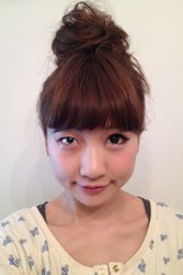 Asahi Shimbun: макияж на пол лица — новый тренд Азии