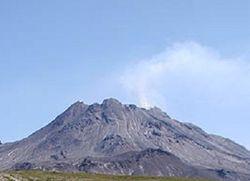 На Камчатке проснулся Безымянный, выбросив пепел на высоту 12 км