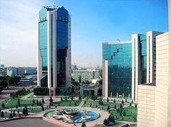 Работа крупнейшего банка Узбекистана парализована по «техническим причинам»