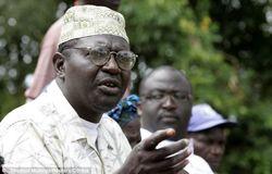 Две жены кенийского брата Барака Обамы обвинили его в разврате