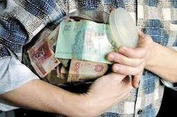 Украинцы, опасаясь обвала гривны, скупили долларов на миллиард