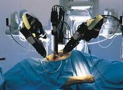 В больницах Москвы операции будут делать... роботы