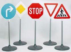 В Украине с 15 апреля начнут действовать новые правила дорожного движения