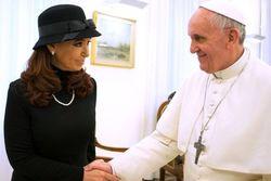 Президент Аргентины попросила Папа Римский,Фолклендские острова