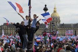 В Париже начали борьбу с противниками однополых браков задержаниями