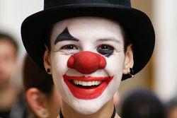 Клоун из ЮАР выиграл суд у мужского журнала FHM