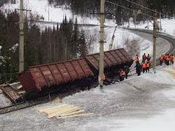 В Бурятии сошли с рельс 26 вагонов целлюлозы. Причины и последствия