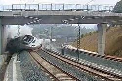 Машиниста поезда, разбившегося в Испании, отпустили под залог