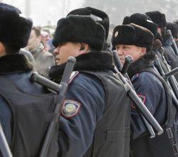Казахстанские полицейские будут иметь право стрелять на поражение сразу