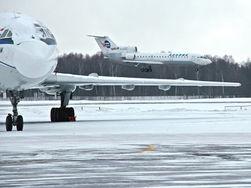 Пассажиры Як-42 после аварийной посадки доставлены в Москву