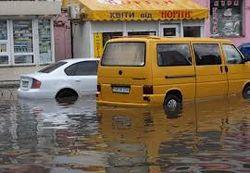 Власти Киева готовятся к массовой эвакуации во время скорого потопа