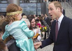 ТОП видео Youtube: четырехлетняя шотландка отбивается от поцелуя принца Уильяма