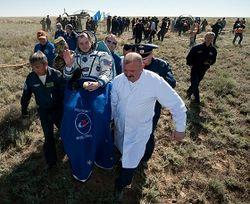 приземление космонавтов