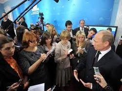 Владимир Путин первым поздравил с 8 марта журналисток президентского пула
