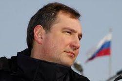 """Вице-премьер Рогозин сел за руль нового броневика """"Тайфун"""""""