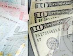 Россияне не уверены в завтрашнем дне и скупают валюту