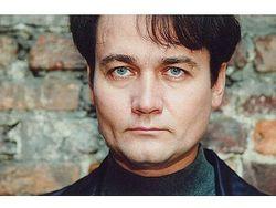 Состояние избитого актера Сергея Барышева ухудшилось