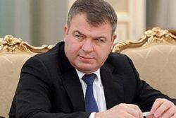 С коррупцией не получается, Сердюкову припомнят другие «грешки»