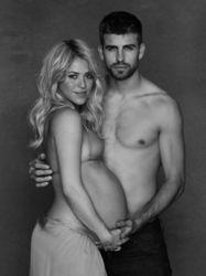 """Шакира в """"положении"""" выложила в сети фото """"ню"""". Мнения ВКонтакте"""