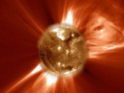 Солнечный шторм не позволяет вернуть марсоход Curiosity к работе
