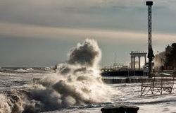 Шторм в Алуште и гибель на пляже украинца