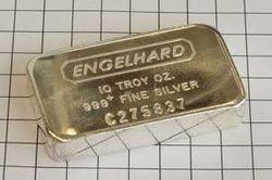 Рынок драгметаллов: рост демонстрирует лишь серебро