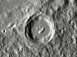 Спутник НАСА сделал впечатляющие снимки смайла на Меркурии.