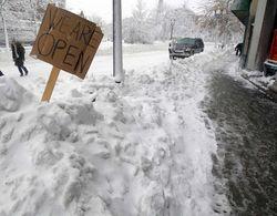 Штаты северо-востока США объявляют режим ЧС из-за снегопадов