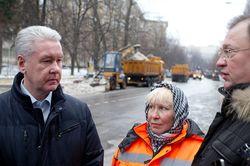 ВКонтакте обсуждают беседу Собянина с дворниками из стран СНГ в Москве