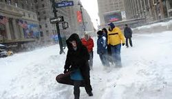 Полметра снега в США - катастрофа и паника американцев