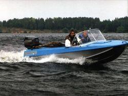 столкновение лодки и катера