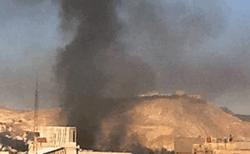 Пожар на окраине Дамаска после ракетного удара