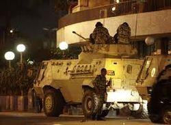 В Египте используют армию и танки для противостояния демонстрантам