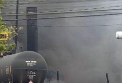 В Канаде поезд с нефтью самовольно покинул стоянку и разбился