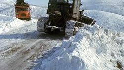 В Беларуси перекрыли автотрассы для расчистки снега