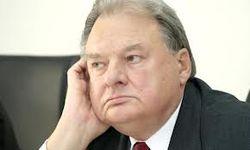 В Киеве умер экс-министр иностранных дел Геннадий Удовенко