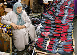 Узбекистан: чиновники твердят о «процветании» на фоне обнищания народа
