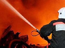 В Чернигове сгорела кровля не работающего мясокомбината