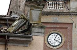 В Италии разбирают завалы и готовятся ввести режим ЧП