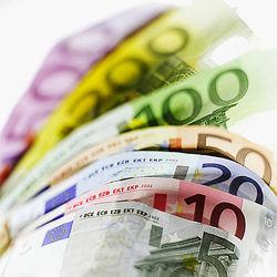 В преддверии американского «бюджетного обрыва» инвесторы предпочитают валюты-убежища