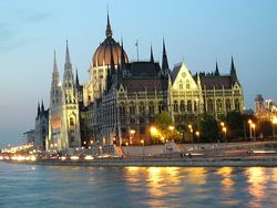 ТОП Яндекс агентств недвижимости Венгрии: фавориты рынка - LuxInvest и Maindoor.ru