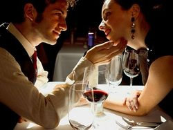 Ученые раскрыли секрет верности супругов
