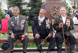В Узбекистане на 9 мая отметили День памяти и почестей