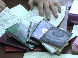 Споры в СМИ России: Нужны ли визы для мигрантов из Узбекистана и других стран ЦА