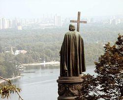 Памятник Владимиру в Киеве может провалиться под землю