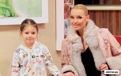 Нравы шоу-бизнеса: Бородина и Водонаева поглумились над ограбленной Волочковой