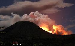Чем грозит миру проснувшийся в Индонезии вулкан Локон
