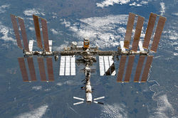 Выполнить задачу в открытом космосе астронавтам помешали болты