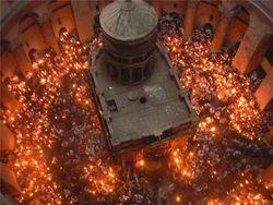 В одном из храмов Киева потух Благодатный огонь